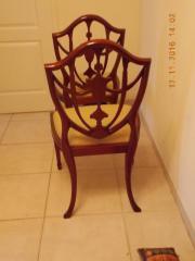 2 Hepplwhite Stühle