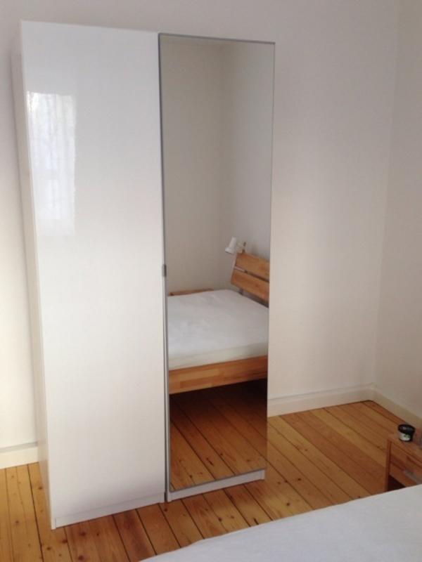 wei pax kleinanzeigen schr nke vitrinen. Black Bedroom Furniture Sets. Home Design Ideas