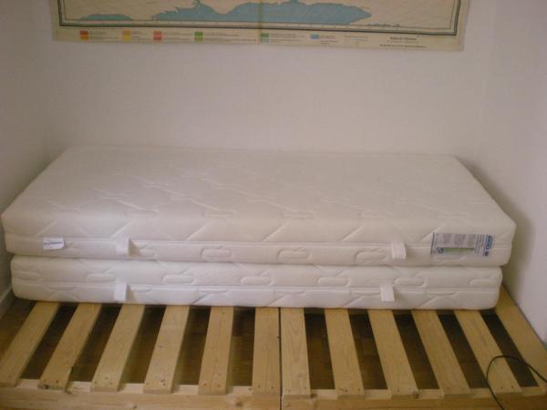 2 matratzen schlaraffia sensipur comfort 90x200 in stuttgart matratzen rost bettzeug. Black Bedroom Furniture Sets. Home Design Ideas