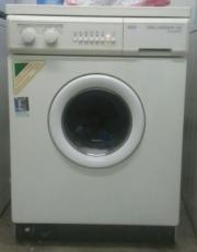 AEG-Waschmaschine zu