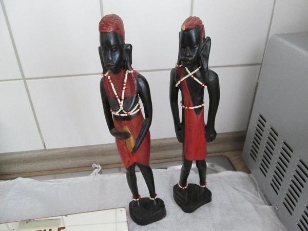 afrikanische figuren kaufen gebraucht und g nstig. Black Bedroom Furniture Sets. Home Design Ideas