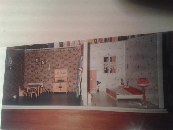 alte puppenstube k che u schlafzimmer 1920er jahre in darmstadt holzspielzeug kaufen und. Black Bedroom Furniture Sets. Home Design Ideas