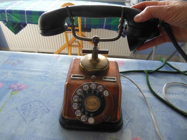 altes telefon in messing in lontzen flohm rkte flohmarktartikel kaufen und verkaufen ber. Black Bedroom Furniture Sets. Home Design Ideas