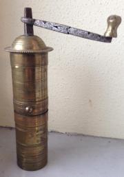 Antike orientalische Gewürzmühle -