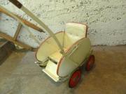 antiker Puppenwagen zur