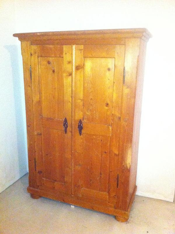 antiker schrank neu und gebraucht kaufen bei. Black Bedroom Furniture Sets. Home Design Ideas