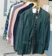 Anzüge, Sakkos, Hemden