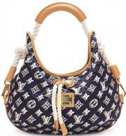 Authentic Louis Vuitton Cruise Collection Limited Edition Bulles Mm Hobo Bag Authentic Louis Vuitton limited edition navy blue monogram Bulles MM hobo handbag. Features gold-tone hardware, natural cowhide leather trim, white ... 300,- D-31079Sibbesse Petz - Authentic Louis Vuitton Cruise Collection Limited Edition Bulles Mm Hobo Bag Authentic Louis Vuitton limited edition navy blue monogram Bulles MM hobo handbag. Features gold-tone hardware, natural cowhide leather trim, white