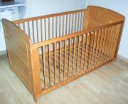 Baby- und Kinderbett