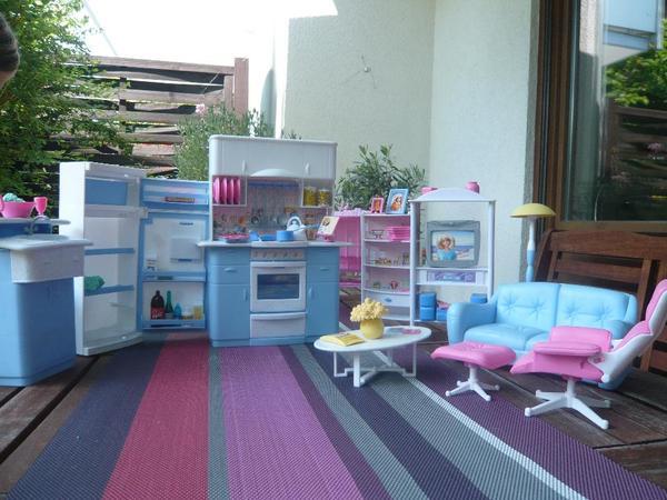 barbie k che und wohnzimmer mit sehr viel zubeh r in mannheim puppen kaufen und verkaufen ber. Black Bedroom Furniture Sets. Home Design Ideas