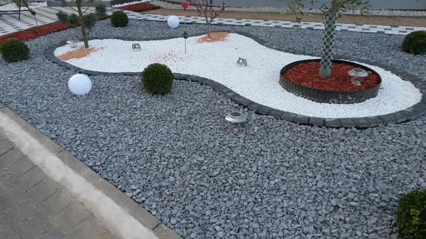 basalt splitt schotter gabionen steingarten kies. Black Bedroom Furniture Sets. Home Design Ideas