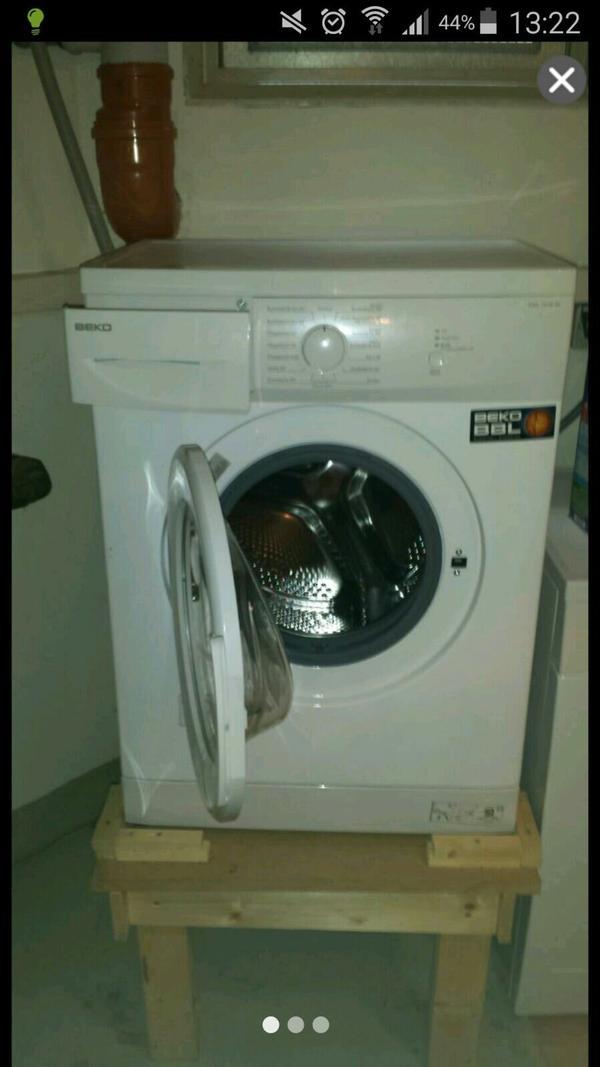 verkaufe die waschmaschine zwecks umzug sehr gut erhalten. Black Bedroom Furniture Sets. Home Design Ideas