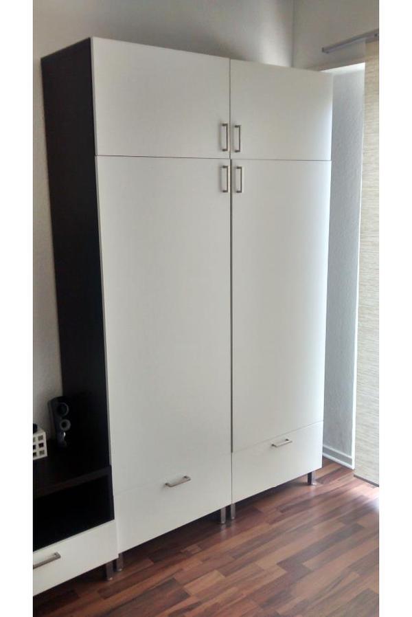 besta kleiderschrank in viernheim ikea m bel kaufen und. Black Bedroom Furniture Sets. Home Design Ideas