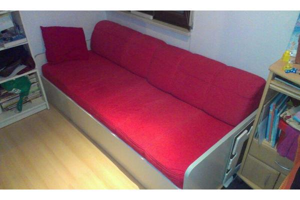 bett mit rost matratze und r ckenkissen in heidelberg betten kaufen und verkaufen ber. Black Bedroom Furniture Sets. Home Design Ideas