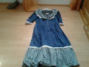 blau-gebluemeltes westernkleid