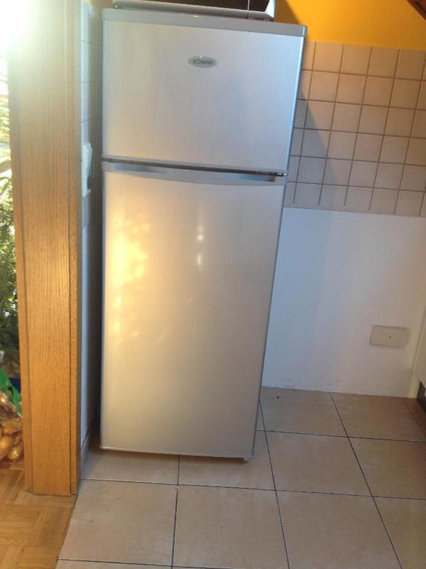 Verkaufe freistehenden privileg kühlschrank ohne gefrierfach alter
