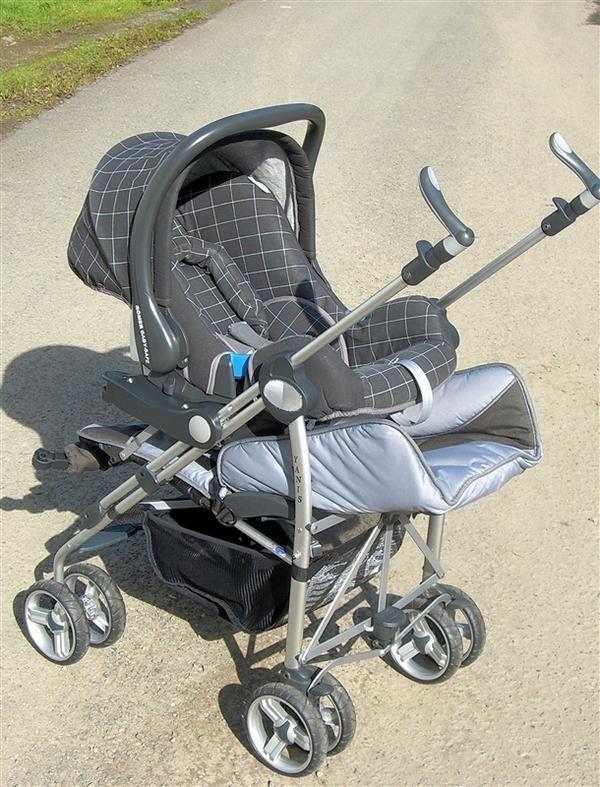 britax r mer buggy yanis im set mit r mer babysafe in waldbr l buggys sportwagen kaufen und. Black Bedroom Furniture Sets. Home Design Ideas