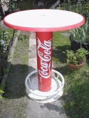Coca -Cola-Stehtisch