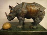 Dali, Bronze ,Rhinoceros, Rhinoceros a la dentelle Aus Erbschaft biete ich eine orginale Bronze von Salvador Dali an. Das dargestellte Rhinoceros hat die Maße Länge: ca.16 cm; Breite: ca. 8,8 cm und ... 500,- D-79588Efringen-Kirchen Egringen Heute, 18:59  - Dali, Bronze ,Rhinoceros, Rhinoceros a la dentelle Aus Erbschaft biete ich eine orginale Bronze von Salvador Dali an. Das dargestellte Rhinoceros hat die Maße Länge: ca.16 cm; Breite: ca. 8,8 cm und