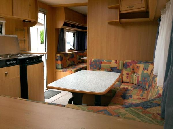 bild 6 wohnwagen dethleffs camper 700 mk mit kinderzimmer. Black Bedroom Furniture Sets. Home Design Ideas