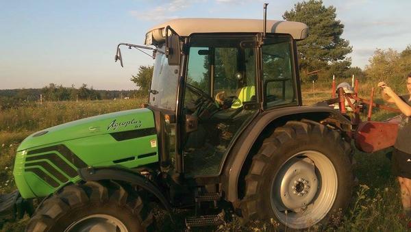 deutz allrad traktor in rodenbach traktoren. Black Bedroom Furniture Sets. Home Design Ideas