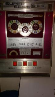 DM Geldspielautomat aus