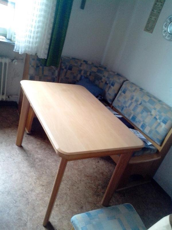 eckbank mit tisch und einem stuhl pictures to pin on pinterest. Black Bedroom Furniture Sets. Home Design Ideas