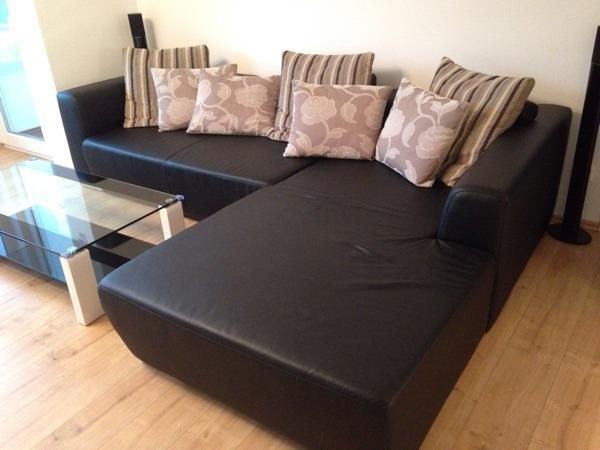 eckcouch schwarz kunstleder breiter ottomane rechts in langen leder kaufen und verkaufen ber. Black Bedroom Furniture Sets. Home Design Ideas