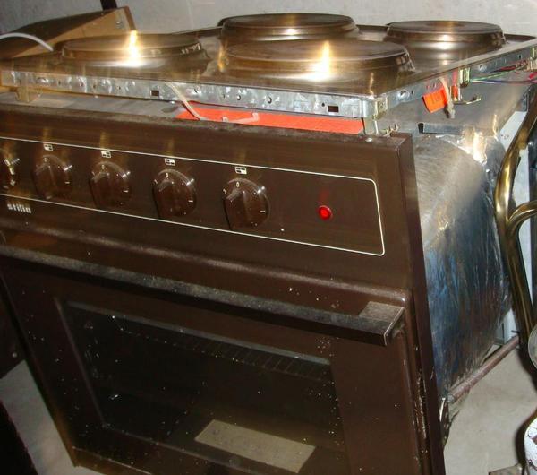 einbau elektroherd mit backofen in esslingen k chenherde. Black Bedroom Furniture Sets. Home Design Ideas
