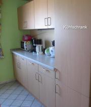 Einbauküche mit Kühlschrank,