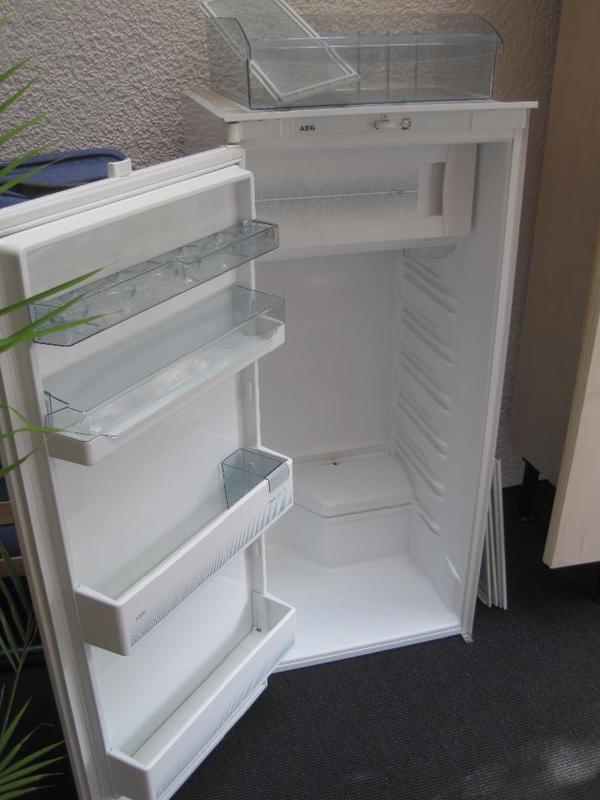 Einbaukühlschrank AEG in Schwarzenbruck Kühl und