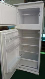 Einbaukühlschrank mit Eisfach