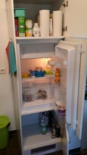 Einbaukühlschrank mit Schrank