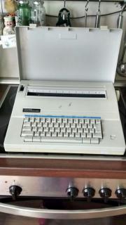 Elektrische Schreibmaschine von
