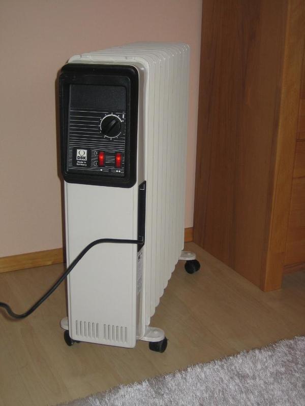 zusatzheizung f r notf lle oder bergangszeit der radiator ist in sehr gutem zustand fast neu. Black Bedroom Furniture Sets. Home Design Ideas