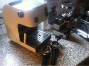 Espressomaschine und Mühle