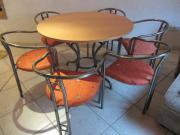 Esstisch (ohne Stühle)