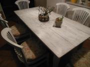 Esstisch & Stühle in