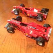 F1 Modellautos 2x