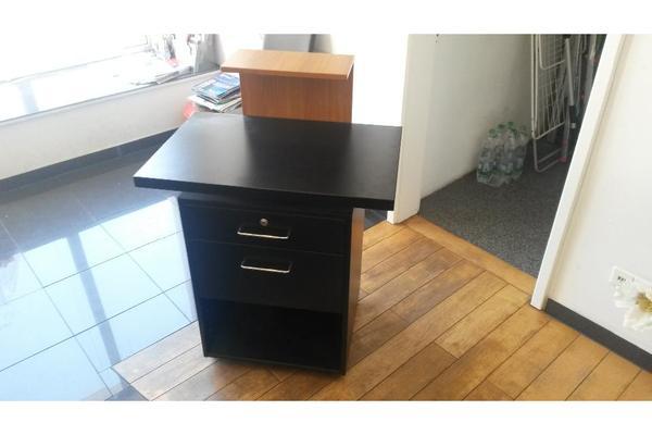 friseur theke mit abschlie barer kasse in mannheim gastronomie ladeneinrichtung kaufen und. Black Bedroom Furniture Sets. Home Design Ideas