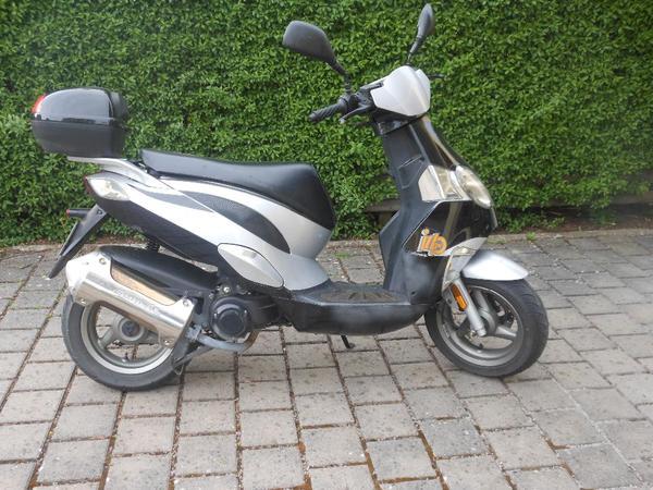 generic motorroller 50 ccm zu verkaufen in waldachtal. Black Bedroom Furniture Sets. Home Design Ideas