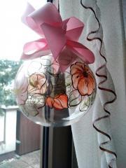 Glaskuggel mit Blumen,