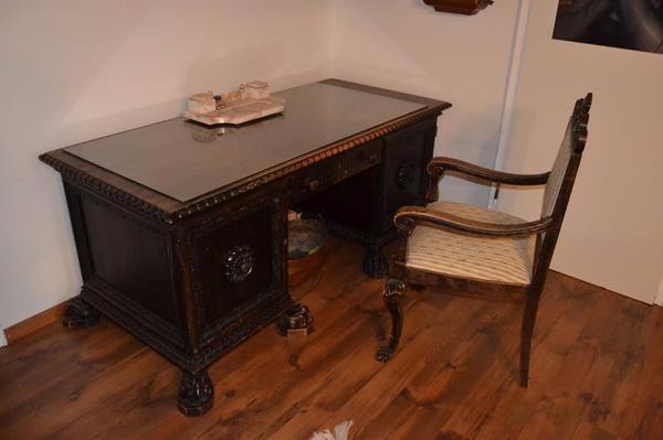 gr nderzeit schreibtisch um 1900 mit 8 tatzenf ssen in m nchen sonstige m bel antiquarisch. Black Bedroom Furniture Sets. Home Design Ideas