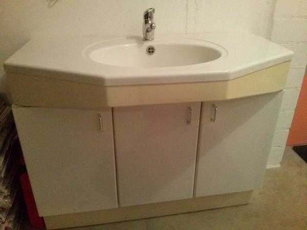 waschtisch weiss neu und gebraucht kaufen bei. Black Bedroom Furniture Sets. Home Design Ideas