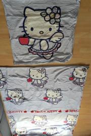 """Hello Kitty Wendebettwäsche! Verkaufe hier eine zweiteilige Wendebettwäsche von \""""Hello Kitty\"""" in hellblau. Die Maße des Kissens ... 10,- D-67105Schifferstadt Heute, 16:22 Uhr, Schifferstadt - Hello Kitty Wendebettwäsche! Verkaufe hier eine zweiteilige Wendebettwäsche von """"Hello Kitty"""" in hellblau. Die Maße des Kissens"""