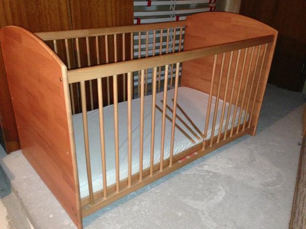 herlag kinderbett anna buche vollmassiv sehr gute matratze in weidenbach betten kaufen und. Black Bedroom Furniture Sets. Home Design Ideas