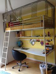 Hochbett mit Schreibtisch -