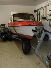 IBIS II Motorboot