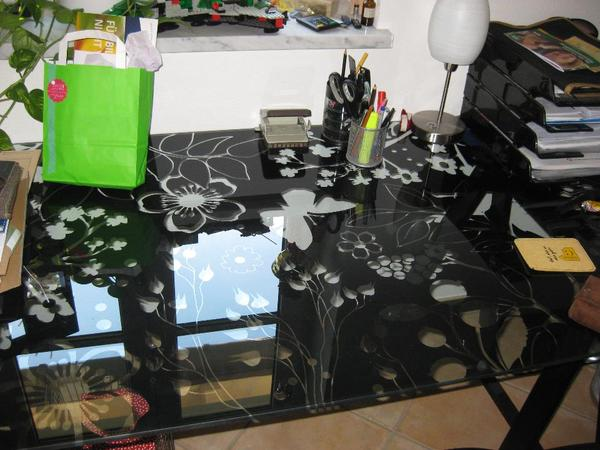 ikea glas schreibtisch in moosburg ikea m bel kaufen und. Black Bedroom Furniture Sets. Home Design Ideas