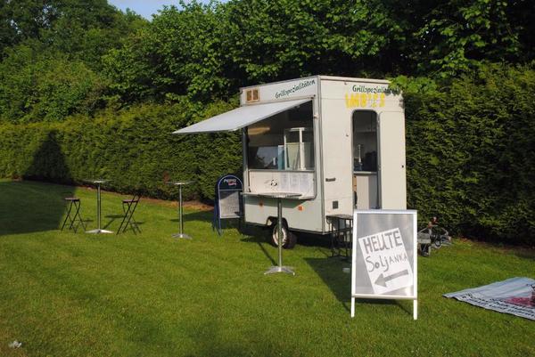 imbisswagen imbiss verkaufswagen verkaufsanh nger 220 volt. Black Bedroom Furniture Sets. Home Design Ideas